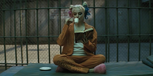 Harley-Quinn-drinks-tea-in-Suicide-Squad-trailer-2